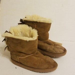 Ugg boots youth girls size 2